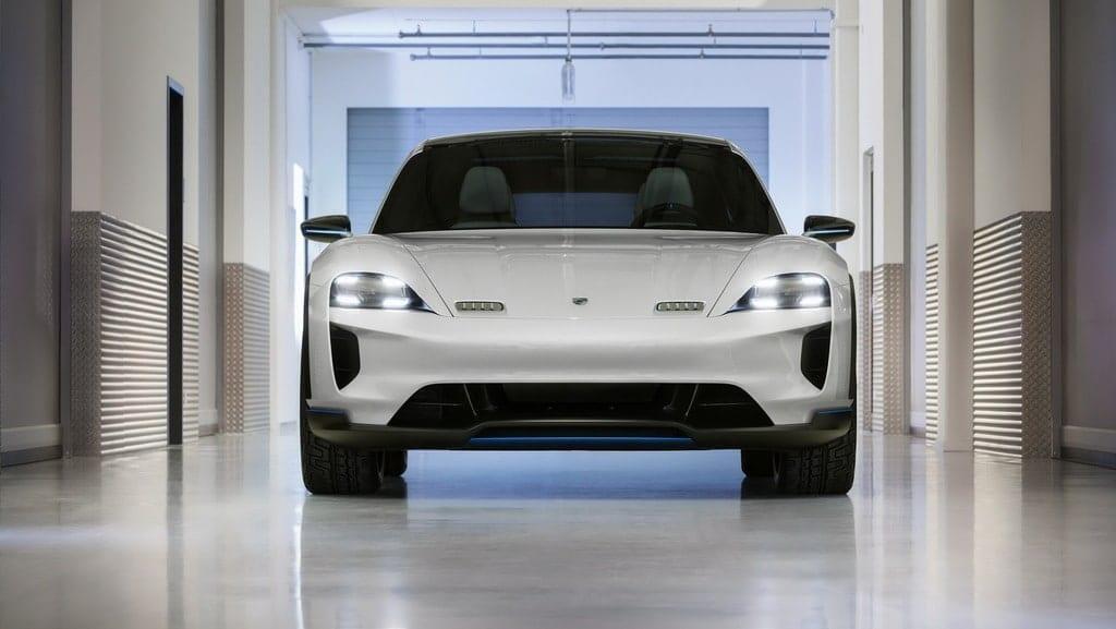 Porsche Taycan / Mission E