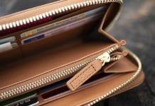 Lompakon pitää vetää sisälleen riittävästi tavaraa.