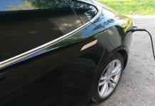 Jokamies-Tesla-kulutustesti-lataus