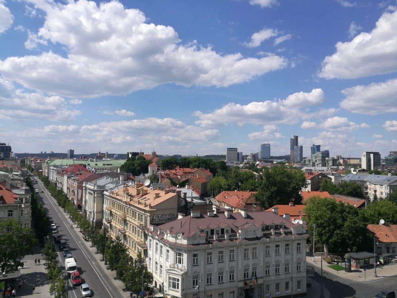Jokamies-teslalla-Puolaan-Vilna-2.jpg