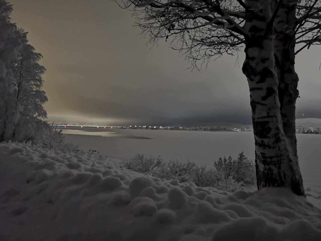 Jokamies-Teslalla-talvella-Nordkappiin-Ylitornio