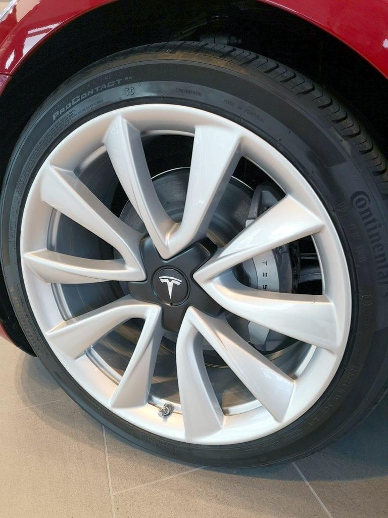 Tesla-Model-3-renkaat