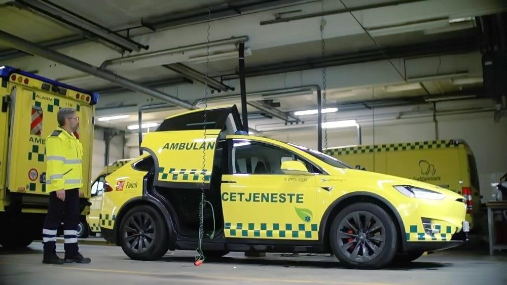 Tesla Model X -ambulanssi