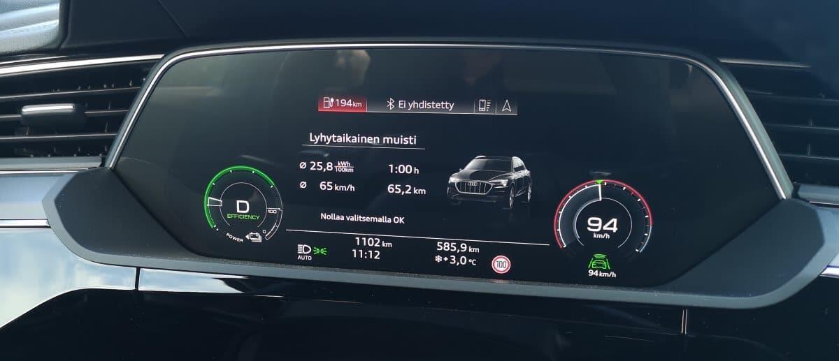 Jokamies-Audi-Etron-koeajo-eka-stintti