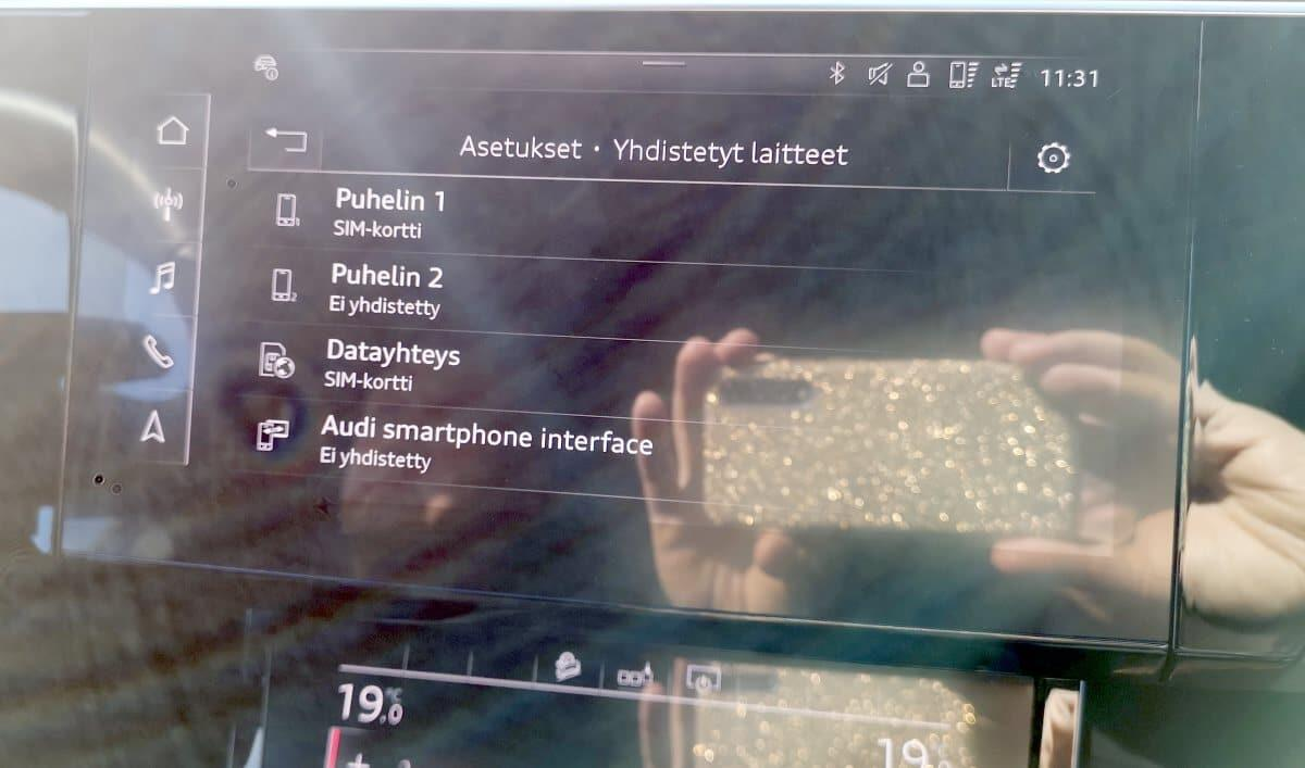 Jokamies-Audi-Etron-koeajo-puhelimet