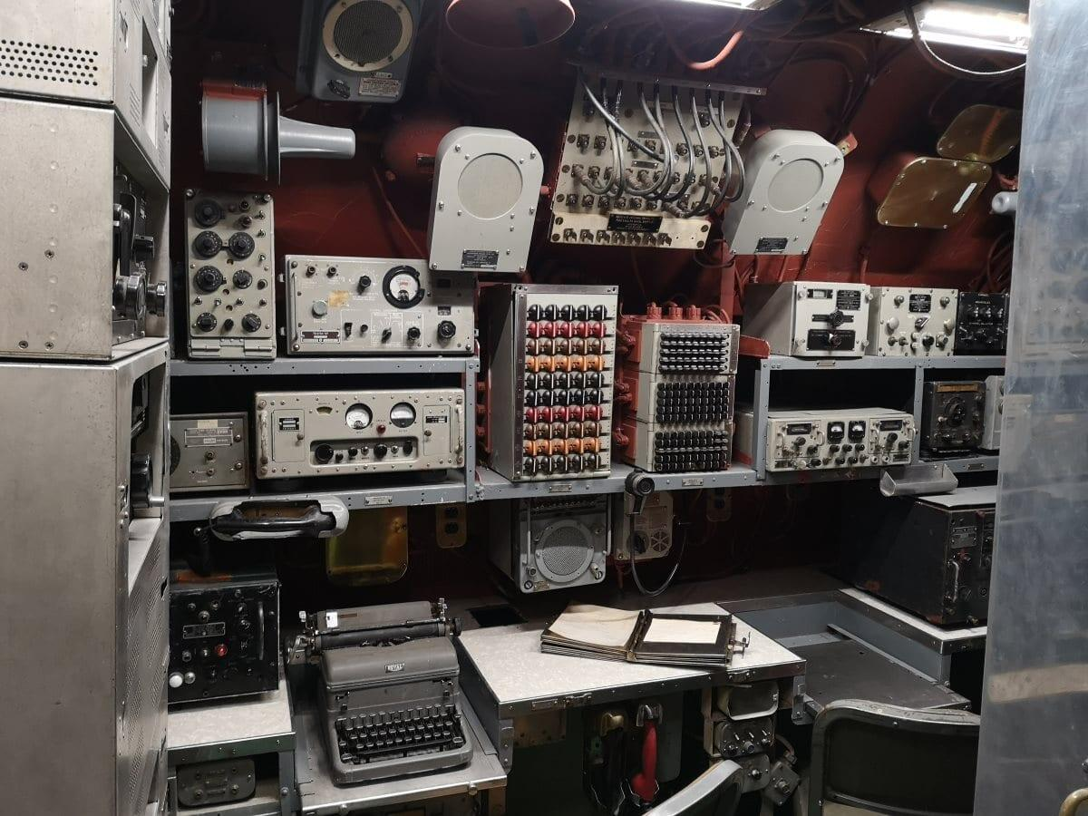 Jokamies-USS-Growler-radio-room