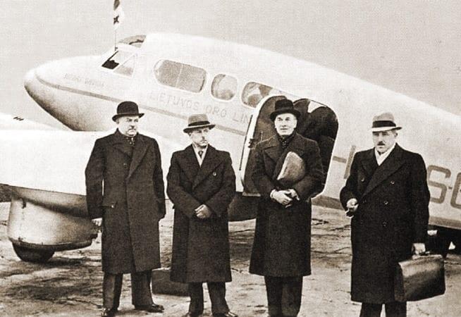 Lithuanian_delegation_1939-10-07