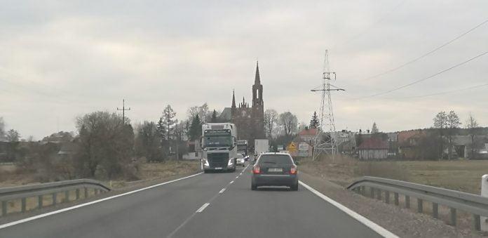 Jokamies-Itäblokki-Teslalla-Sztabin