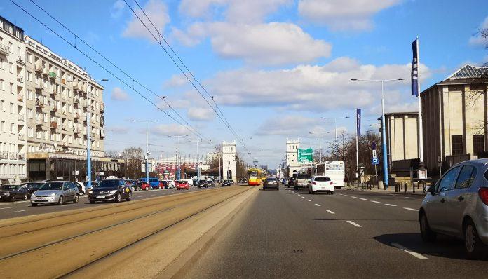 Jokamies-Itäblokki-Teslalla-Varsovasta-kotiin