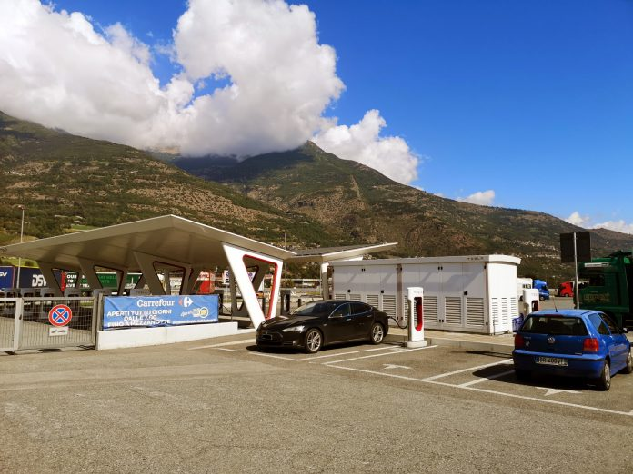 Jokamies - Teslalla Madridiin #5 - Aosta Supercharger