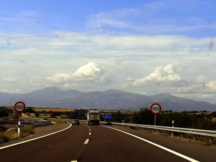 Jokamies - Teslalla Madridiin #8 - Huesca